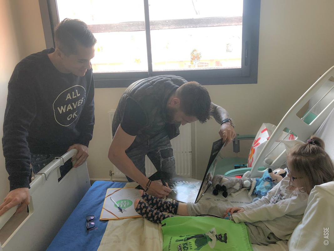 Les Verts auprès d'enfants hospitalisés